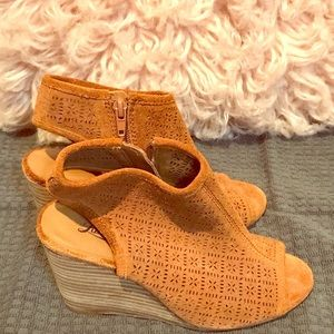 Lucky Brand Wedge Sandals